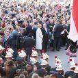 Scènes de liesse sur la place du palais princier, à Monaco, le 7 janvier 2015, lors de la présentation officielle des jumeaux du prince Albert II et de la princesse Charlene, Gabriella et Jacques.
