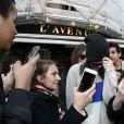 Kendall Jenner quitte le restaurant L'Avenue. Paris, le 4 mars 2015.