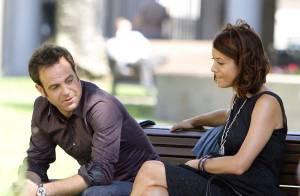 PHOTOS : Kate Walsh a rendez-vous avec un homme sur un banc public...