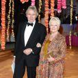 David Mills et Dame Judi Dench lors de l'avant-première du film Indian Palace - Suite royale, à Londres le 17 février 2015