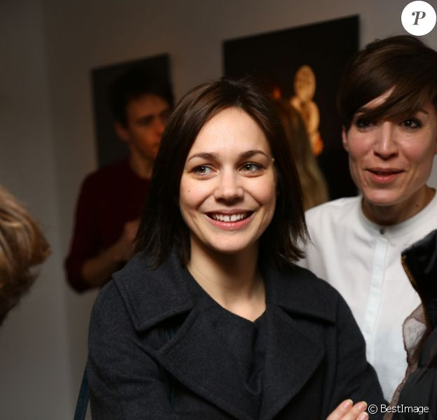 """Nathalie Péchalat lors de la présentation de l'exposition """"Les Filles à Fromage"""" à la Milk Factory à Paris, le 12 mars 2015 pour laquelle elle a joué les modèles"""