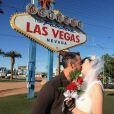 """""""Nicholas Brendon lors de son mariage avec sa femme Moonda Tee , photo publiée sur son compte Facebook le 2 octobre 2014"""""""
