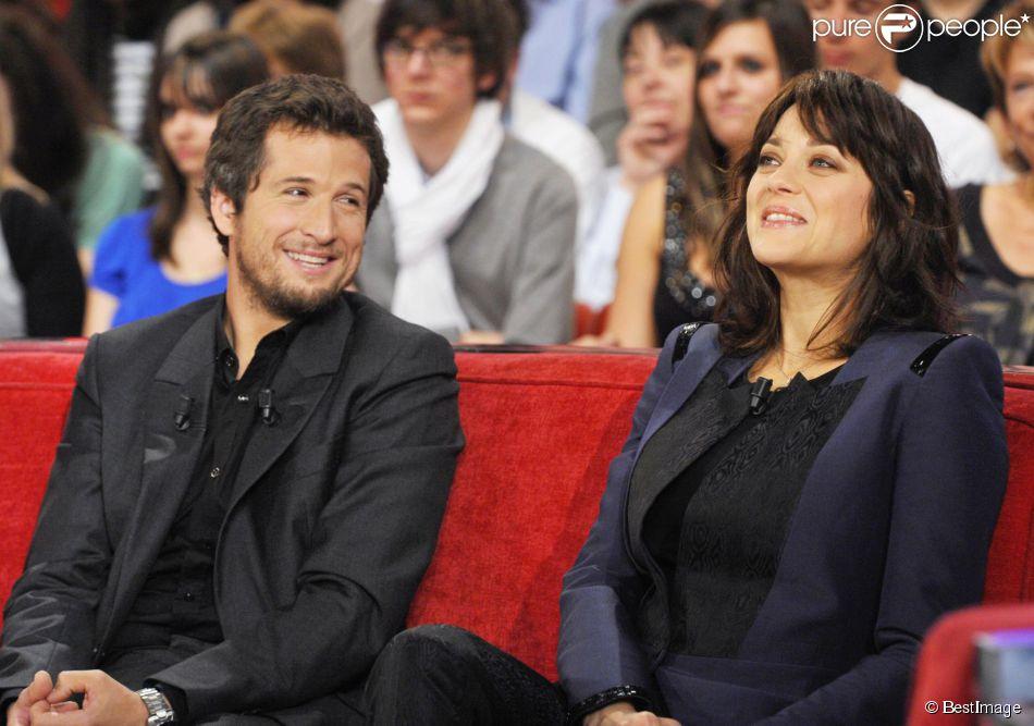 Guillaume Canet et Marion Cotillard dans Vivement Dimanche ...