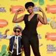 David Daniel Otunga, Jr. et sa mère Jennifer Hudson assistent à la 28e édition des Kids Choice Awards, au Forum. Inglewood, Los Angeles, le 28 mars 2015.