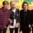 Le groupe 5 Seconds of Summer assiste à la 28e édition des Kids Choice Awards, au Forum. Inglewood, Los Angeles, le 28 mars 2015.