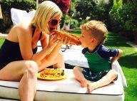 Tori Spelling, en famille: Elle croque la vie et un gros hot-dog à pleines dents
