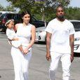 Le clan Kardashian est allé célébrer Pâques à Calabasas lors de la messe dominicale. Kim, Kanye, North, Kourtney, Kendall, Kris, Kylie ou encore Scott Disick, Tyga et Corey Gamble ne sont pas passés inaperçus en arrivant en clan...
