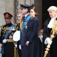Le prince Edward, duc de Kent, à gauche, avec le prince Andrew, le prince William et la duchesse de Cambridge lors de la cérémonie commémorant le déploiement et le tribut britanniques en Afghanistan, le 13 mars 2015 en la cathédrale St Paul, à Londres.