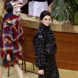 """Kendall Jenner - Défilé de mode """"Chanel"""", collection prêt-à-porter automne-hiver 2015/2016, à Paris. Le 10 mars 2015"""