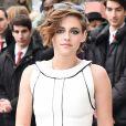 """Kristen Stewart au défilé de mode """"Chanel"""", collection Haute Couture printemps-été 2015/2016, au Grand Palais à Paris le 27 janvier 2015."""