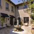 Mischa Barton est en défaut de paiement sur sa villa de Beverly Hills, achetée en 2005 pour 6,4 millions de dollars.
