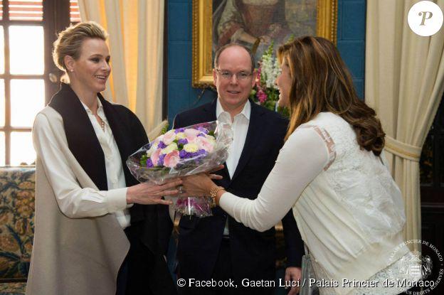 Charlene et Albert de Monaco ont invité Roger Federer et son épouse Mira à déjeuner au Palais princier de Monaco le samedi 11 avril 2015.