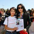 Saïda Jawad et Yamina Benguigui et Valérie Trierweiler au rassemblement au Champ-de-Mars à Paris le 14 Avril 2015 pour les 219 lycéennes enlevées par Boko Haram il y a un an.