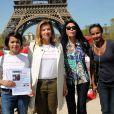 Valerie Trierweiler et Yamina Benguigui au rassemblement au Champ-de-Mars à Paris le 14 Avril 2015 pour les 219 lycéennes enlevées par Boko Haram il y a un an.