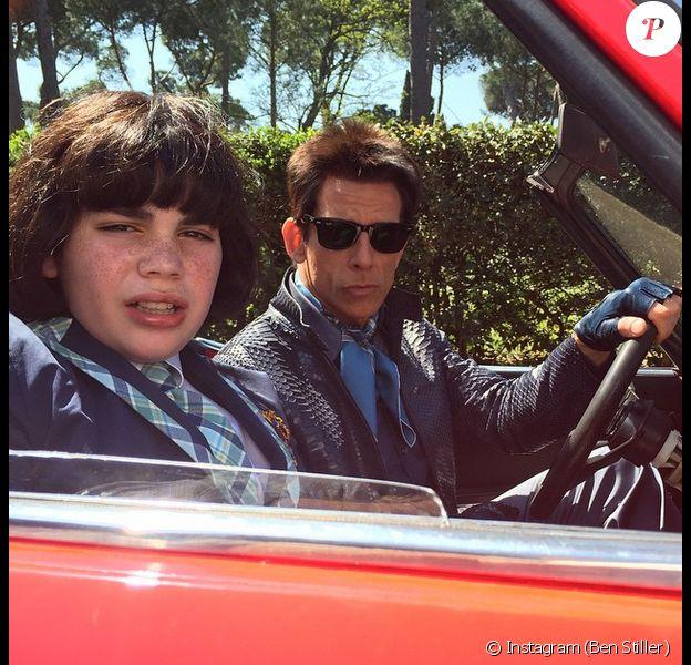 Derek Zoolander présente son fils, Derek Jr (joué par Cyrus Arnold) en plein tournage de Zoolander 2. Photo postée le 13 avril 2015.