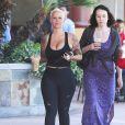 Exclusif - Amber Rose est allée au Starbucks avec des amis à Studio City, le 16 avril 2015