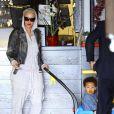 Exclusif - Amber Rose se promène avec son fils Sébastian le jour de son deuxième anniversaire à Los Angeles le 22 février 2015.