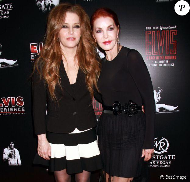"""Priscilla et sa fille Lisa Marie Presley à la soirée """"Elvis The Exhibition - The Show - The Experience"""" à Las Vegas, le 23 avril 2015"""