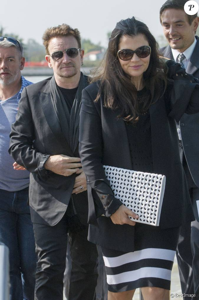 le chanteur bono et sa femme ali hewson quittent venise le 29 septembre 2014 apr s avoir. Black Bedroom Furniture Sets. Home Design Ideas