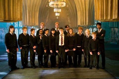Harry Potter : Sa ''maman'' J. K. Rowling s'excuse pour la mort de...