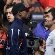 """Floyd Mayweather et Manny Pacquiao lors de la pesée à la MGM Grand Garden Arena de Las Vegas le 1er mai 2015 avant """"le combat du siècle"""""""