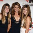 Lori Loughlin, Olivia Giannulli, Isabella Giannulli - Tapis rouge du 4th Annual American Humane Association Hero Dog Awards à Los Angeles Le 27 septembre 2014