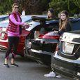 Lori Loughlin et ses filles Isabella et Olivia vont faire des courses a Beverly Hills, le 14 novembre 2012.