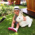 Natasha Poly est fière de son adorable fille à la bouille d'ange, Aleksandra