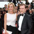 """Laurence Ferrari et son mari Renaud Capuçon - Montée des marches du film """"Irrational Man"""" (L'homme irrationnel) lors du 68e Festival International du Film de Cannes, à Cannes le 15 mai 2015."""