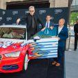 Jean-Paul Gaultier présente la voiture Audi, qu'il a désignée, lors du Life Ball devant l'hôtel Imperial à Vienne. Le 16 mai 2015