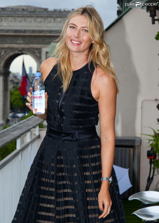Maria Sharapova à la Maison du Danemark pour Evian, le 18 mai 2015 à Paris