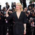 """Cate Blanchett (bijoux Van & Cleef) - Montée des marches du film """"Sicario"""" lors du 68e Festival International du Film de Cannes le 19 mai 2015"""