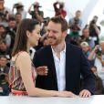 """Michael Fassbender et Marion Cotillard - Photocall du film """"Macbeth"""" lors du 68e Festival International du Film de Cannes, le 23 mai 2015."""
