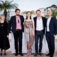 "Laura Hastings-Smith, Justin Kurzel, Marion Cotillard, Michael Fassbender et Iain Canning - Photocall du film ""Macbeth"" lors du 68e Festival International du Film de Cannes, le 23 mai 2015."
