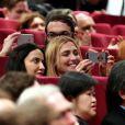 """Julie Gayet, productrice du film Trésor, lors de la remise du prix """"Un Certain Talent"""" pour son film, dans la section Un Certain Regard au Festival de Cannes le 23 mai 2015"""