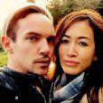 Jonathan Rhys-Meyers et sa fiancée Mara Lane. Une photo rassurante de l'acteur une semaine après sa rechute et la publication de photos le montrant ivre. Mai 2015.