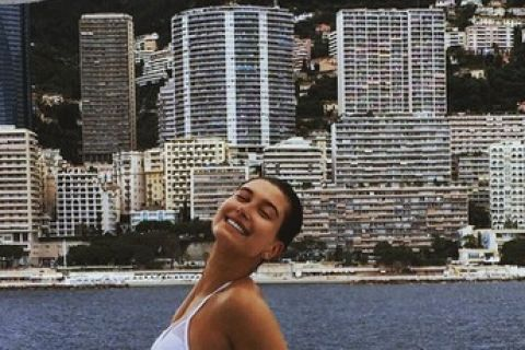 Hailey Baldwin : La BFF de Kendall Jenner est une vraie bombe !