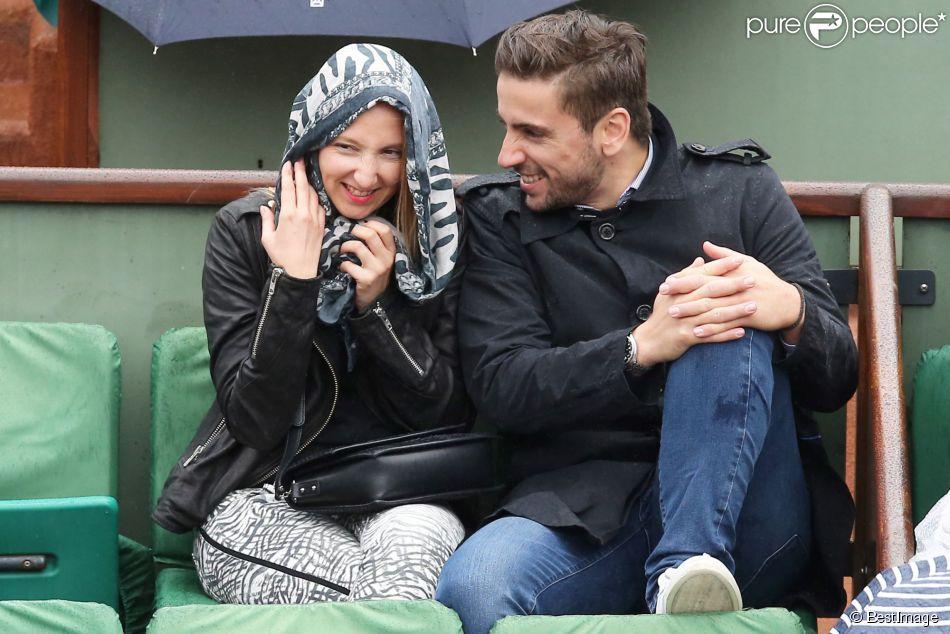 Audrey Lamy et son compagnon Thomas aux Internationaux de France de tennis de Roland-Garros à Paris le 31 mai 2015.
