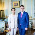 La princesse Victoria de Suède, avec le prince Daniel, recevait en audience le 27 mai 2015 le Premier ministre estonien Taavi Roivas, sa femme la chanteuse Luisa Värk et leur fille Miina au palais royal à Stockholm.