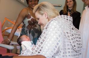 Charlene de Monaco, retour à la maternité : La jeune maman émue et câline...