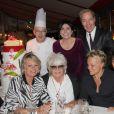 Exclusif - Le chef Jean-Yves Leuranguer, Liane Foly, Tony Gomez, Sophie Davant Catherine Lara, Muriel Robin et sa compagne Anne Le Nen, lors du 70e anniversaire de Catherine Lara au Fouquet's à Paris le 30 mai 2015.