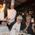 Exclusif - Le chef patissier Claude Ducrozet, Sophie Davant, Catherine Lara et Muriel Robin, lors du 70e anniversaire de Catherine Lara au Fouquet's à Paris le 30 mai 2015.