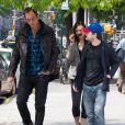 Daniel Radcliffe et sa compagne Erin Darke se promènent avec Will Arnett à New York, le 5 juin 2015.