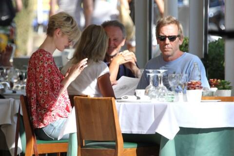 Hugh Laurie : ''Dr House'' ôte sa blouse et devient trafiquant d'armes !