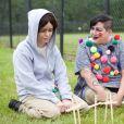"""Taryn Manning (Tiffany """"  Pennsatucky  """" Doggett) et Lea DeLaria (Bog Boo) dans Orange is the New Black. Saison 3 disponible depuis le 12 juin 2015 sur NEtflix."""