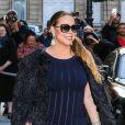 Mariah Carey sort de son hôtel le Peninsula pour aller dîner avec Azzedine Alaïa à Paris, le 9 juin 2015.