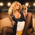 Kate Upton pour la publicité d'une chaîne américaine de restauration rapide Carl's jr à Los Angeles le 28 mars 2015