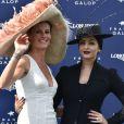 Sophie Thalmann et Aishwarya Rai - Prix de Diane Longines à l'hippodrome de Chantilly le 14 juin 2015.