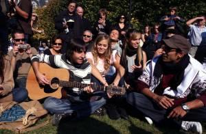 REPORTAGE PHOTOS : Les élèves de la Star Ac ont chanté dans les rues !!