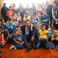 """"""" Le prince Hussein en visite dans un orphelinat à Zarqa, au nord-est d'Amman, le 28 juin 2015 en Jordanie. """""""
